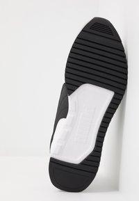 Puma - R78 UNISEX - Trainers - white/gray violet/black - 4