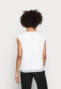 Esprit Collection - PAILETTEN SHIRT - Print T-shirt - off white - 2