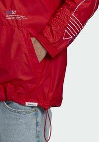 adidas Originals - ADICOLOR FTO WINDBREAKER - Cortaviento - red - 5