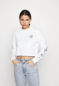 BDG Urban Outfitters - INNER EMPATHY WAFFLE CROP TEE - Long sleeved top - cream - 2