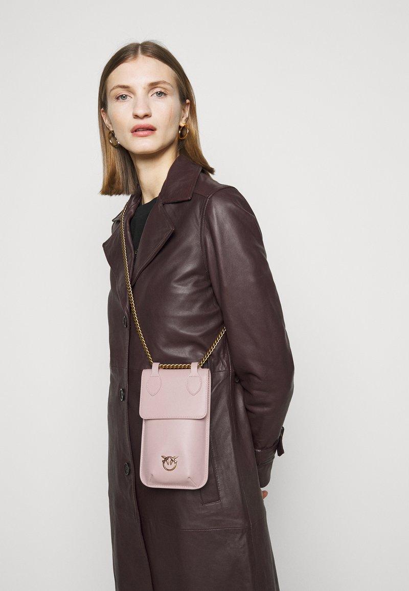 Pinko - IXIA PHONE HOLDER SIMPLY - Across body bag - cipria