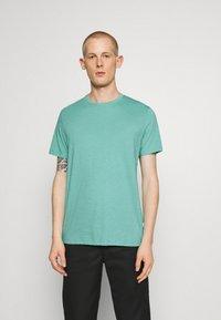 Burton Menswear London - 3 PACK - Basic T-shirt - frost/white/mint - 2
