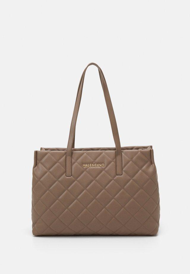 OCARINA - Håndtasker - taupe