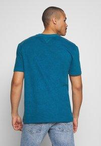 Tommy Jeans - NOVEL VARSITY LOGO TEE - Print T-shirt - audacious blue - 2