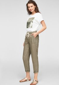 s.Oliver - Print T-shirt - white statement print gold - 3