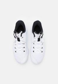 Nike Performance - LEBRON WITNESS 5 - Basketsko - white/black - 3