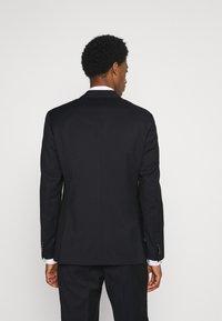 Calvin Klein Tailored - TONAL GRID CHECK EXTRAFINE SUIT - Oblek - navy - 2