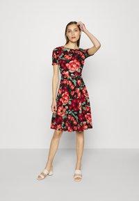 King Louie - BETTY DRESS KIMORO - Jersey dress - chili red - 1