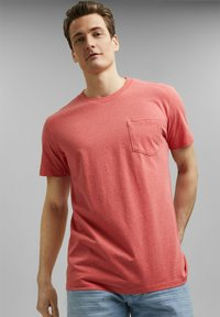 Esprit - SLIM FIT - Basic T-shirt - coral red - 0