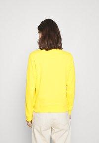 GANT - ARCH LOGO CREW NECK - Sweatshirt - solar power yellow - 2