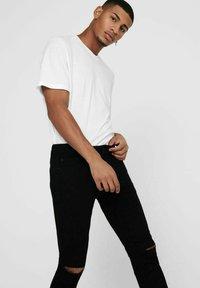 Only & Sons - ONSWARP LIFE KNEECUT - Jeans Skinny Fit - black denim - 3