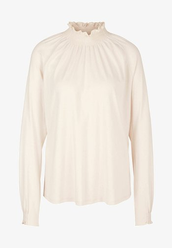 Long sleeved top - off whit