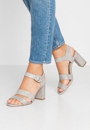 BETTY TRIPLE STRAP - Sandals - grey