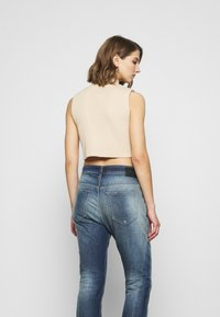 Diesel - FAYZA - Relaxed fit jeans - indigo - 3