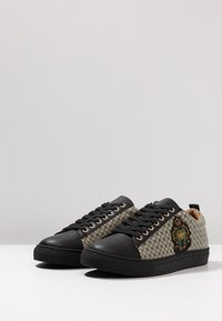 River Island - Baskets basses - black - 2