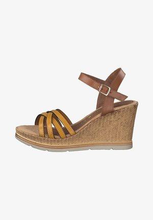 Sandalen met sleehak - cognac/saffron