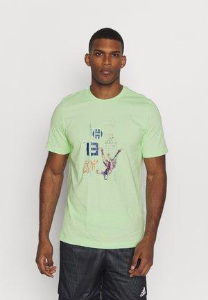 HARDEN BASKETBALL SHORT SLEEVE GRAPHIC TEE - Print T-shirt - green