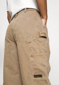 BDG Urban Outfitters - CARPENTER JEAN - Straight leg jeans - caramel - 3