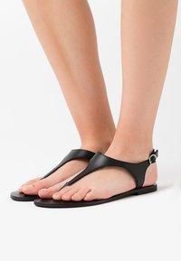 Zign - Sandalias de dedo - black - 0