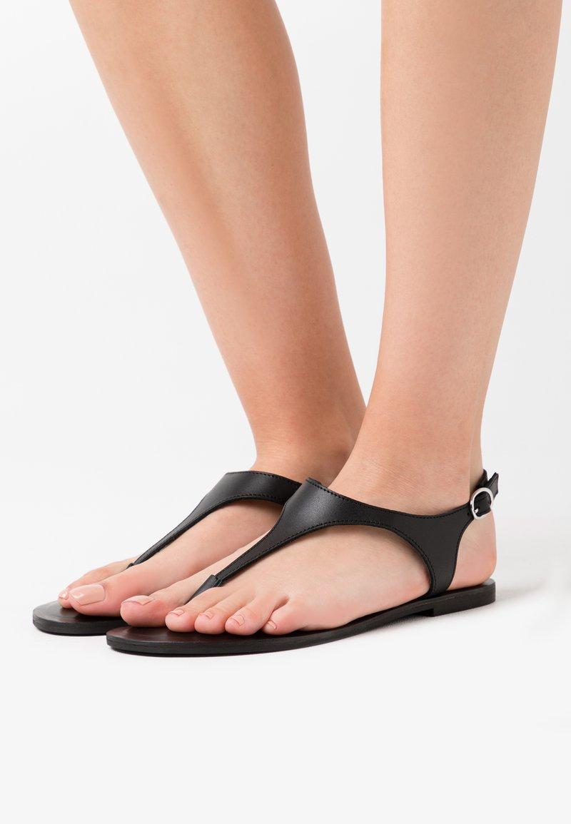 Zign - Sandalias de dedo - black