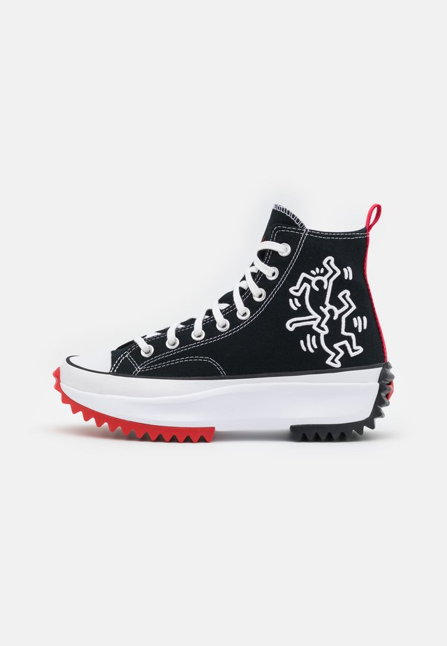 CONVERSE X KEITH HARING RUN STAR HIKE - High-top trainers - black/white