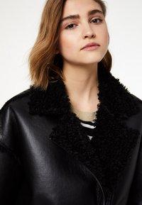 Liu Jo Jeans - LIU JO JEANS - Faux leather jacket - black - 3