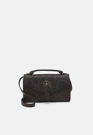 WALLET MINI BAG FLAP MONO - Wallet - brown
