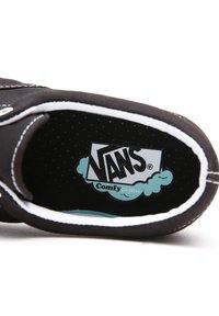 Vans - UA COMFYCUSH ERA - Sneakers - black - 6