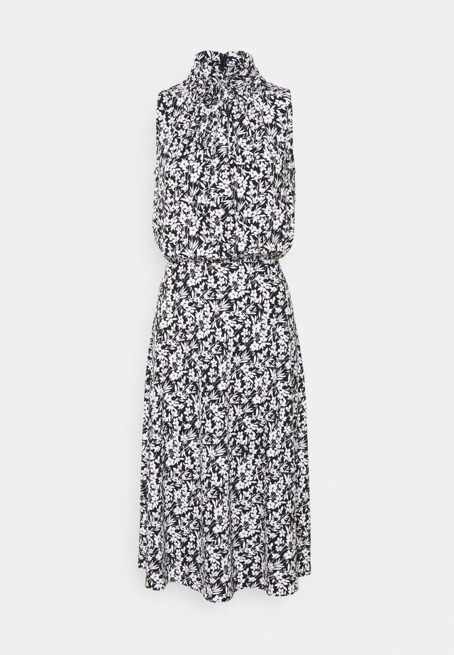 FERIKO SLEEVELESS CASUAL DRESS - Sukienka letnia - black/white