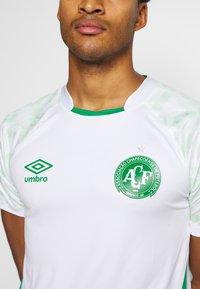 Umbro - CHAPOCOENSE AWAY - Club wear - white/green - 5