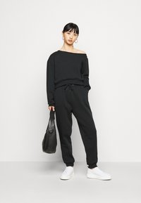 Even&Odd Petite - SET OFF  - Sweatshirt - black - 1