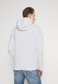 Tommy Hilfiger - ESSENTIAL HOODY - Sweat à capuche - white - 2