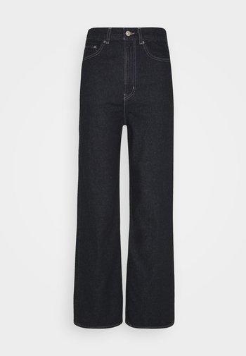 HIGH LOOSE - Flared jeans - gotta dip