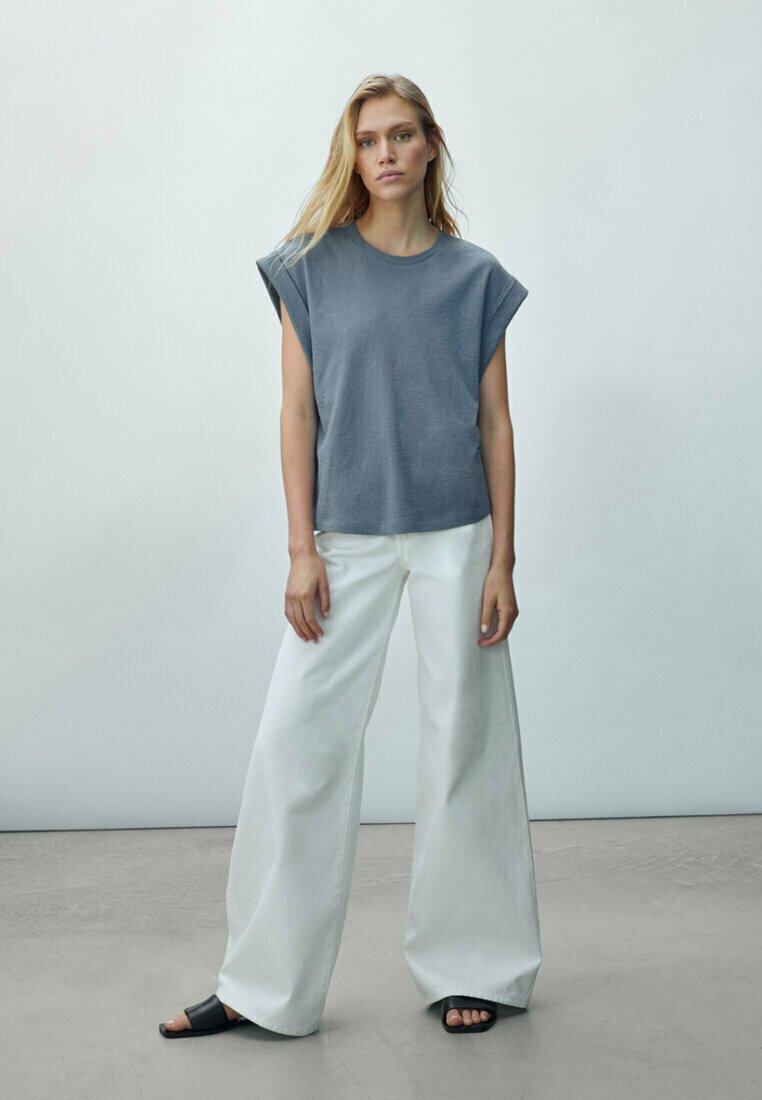 Massimo Dutti - Basic T-shirt - khaki
