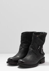 Felmini - VERDY - Cowboy/biker ankle boot - morat black - 4