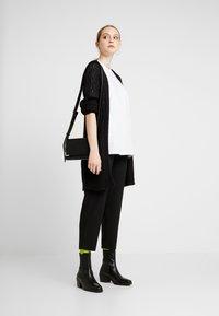 JDY - JDYHOLLIS  - Vest - black - 1