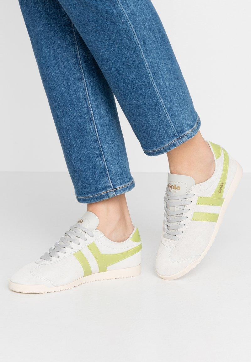 Gola - BULLET - Sneakersy niskie - off white/citron