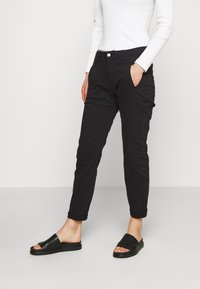 Selected Femme - SLFNEW INGRID  - Chino kalhoty - black - 0