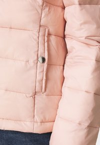 ONLY - ONLSANDIE QUILTED HOOD JACKET - Light jacket - misty rose - 4