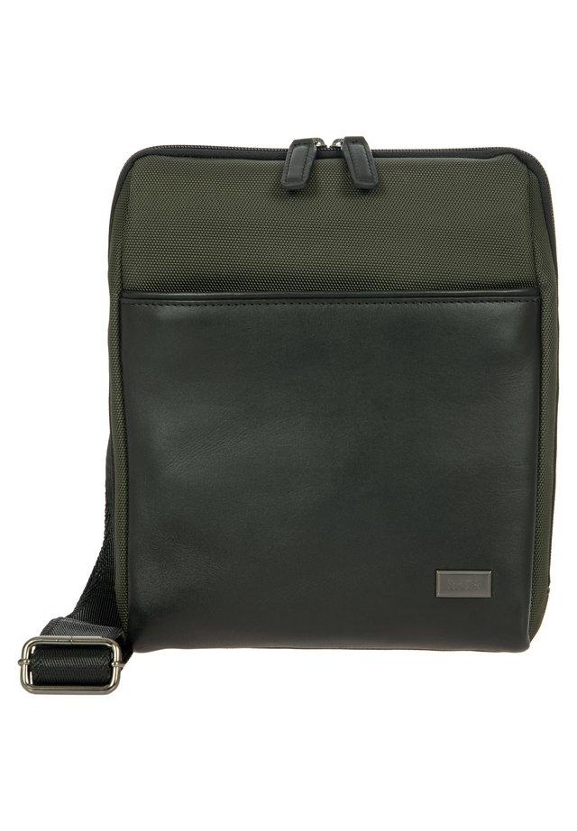 MONZA UMHÄNGETASCHE 21 CM - Across body bag - oliva