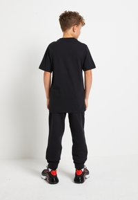 Nike Sportswear - AIR TEE - Print T-shirt - black - 2