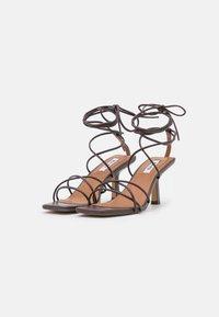 NA-KD - LOW STILETTO ANKLE STRAP HEELS - Sandals - dark brown - 2