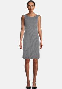 Betty Barclay - Jersey dress - dunkelblau/weiß - 1