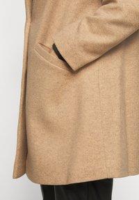 Dorothy Perkins Curve - MINIMAL SHAWL COLLARCROMBIE COAT - Short coat - camel - 6