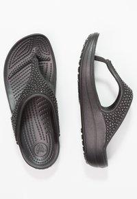 Crocs - SLOANE EMBELLISHED FLIP - Tongs - black - 1