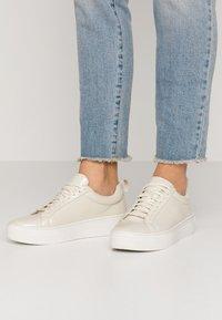 Vagabond - ZOE - Sneakers - offwhite - 1