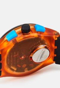 Swatch - YELLOW TIRE - Chronograph watch - orange - 4