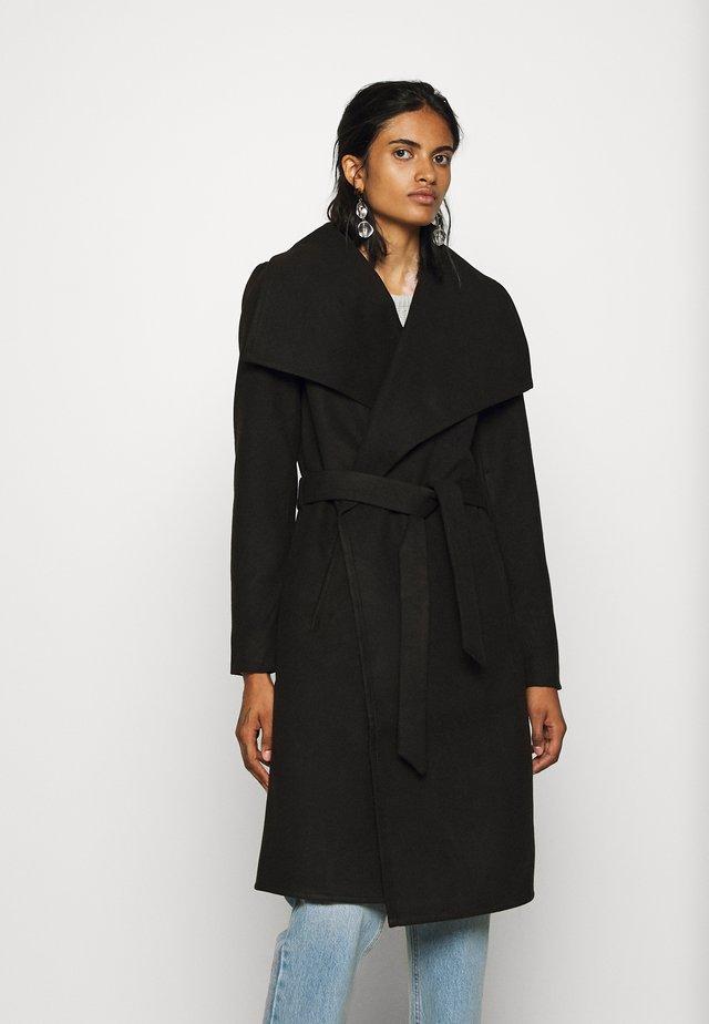 ONLNEWPHOEBE DRAPY COAT - Zimní kabát - black
