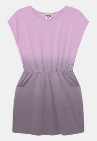 Cotton On - SIGRID SHORT SLEEVE - Žerzejové šaty - pale violet/dusk purple - 0