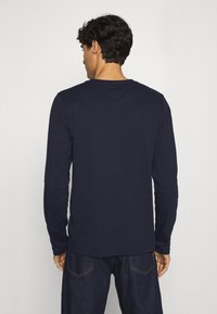 Tommy Hilfiger - CHEST STRIPE - Long sleeved top - blue - 2